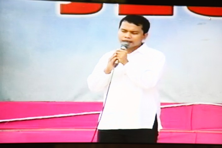 Bro. Edu Cortez testifying at the Amoranto Stadium in Quezon City, May 2013.